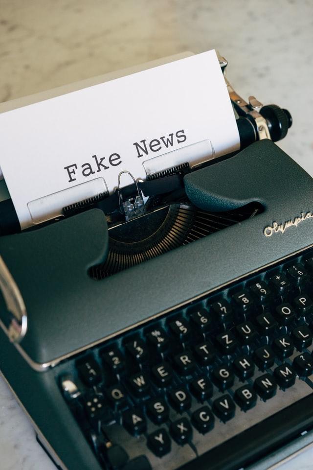 fake Newsのタイプ文字